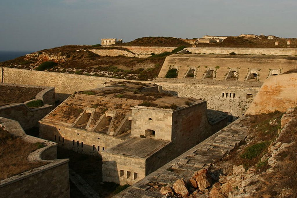 Mola tvirtovė