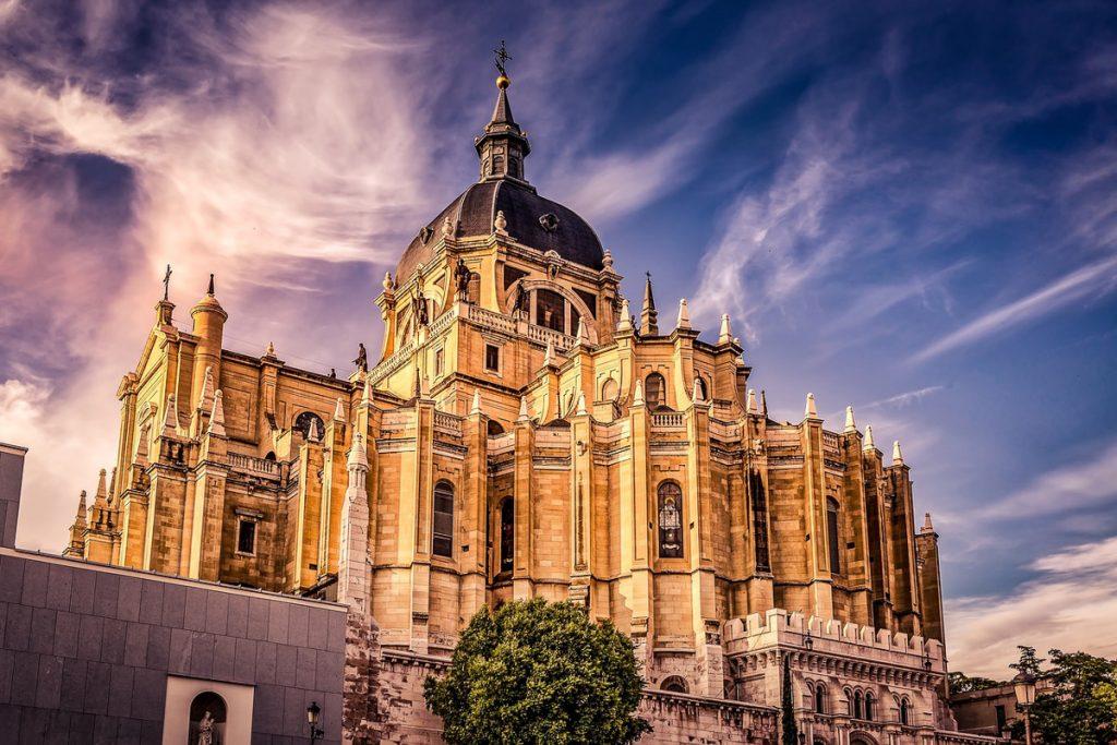 Almudenos katedra