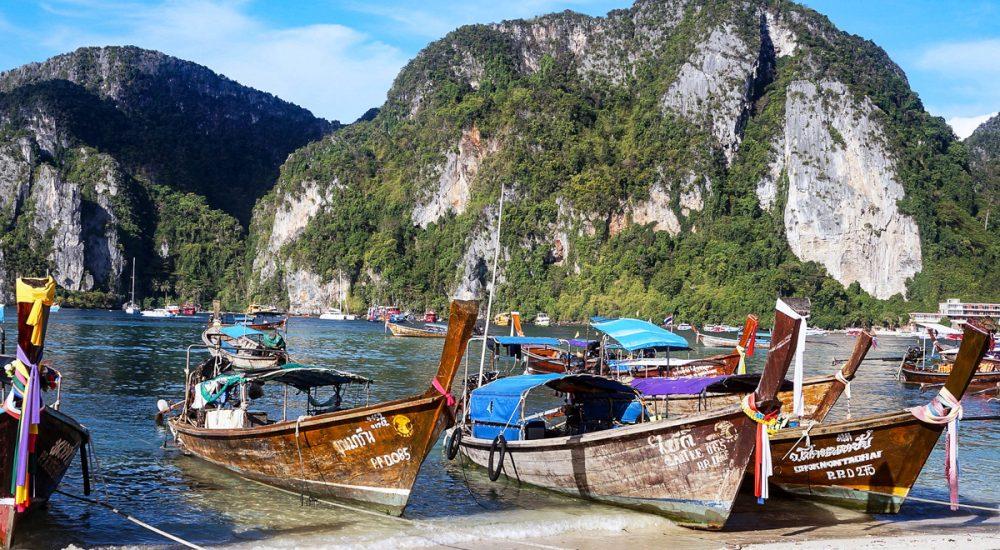 Phi Phi salos ir jų kurortai