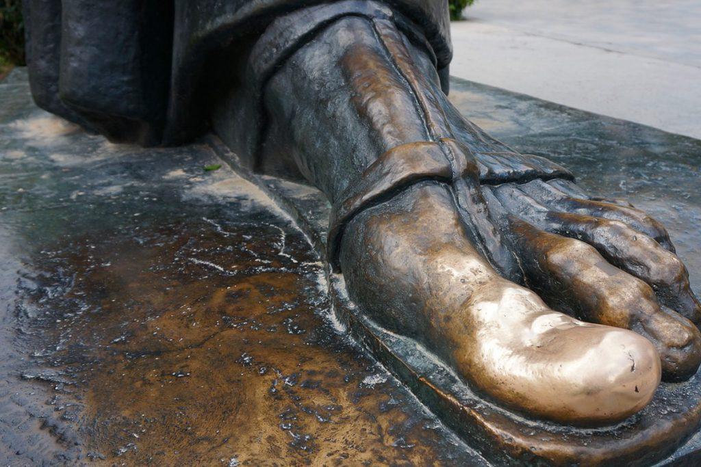 Grgur Ninski skulptūra
