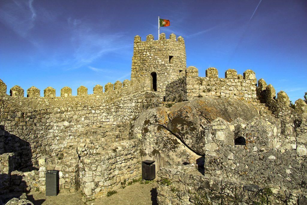 Maurų pilis (Castelo dos Mouros)