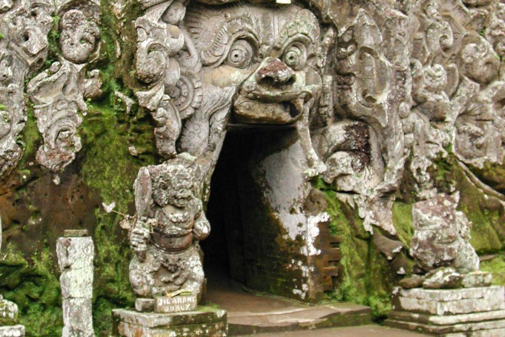Goa Gajah (Dramblių urvas)