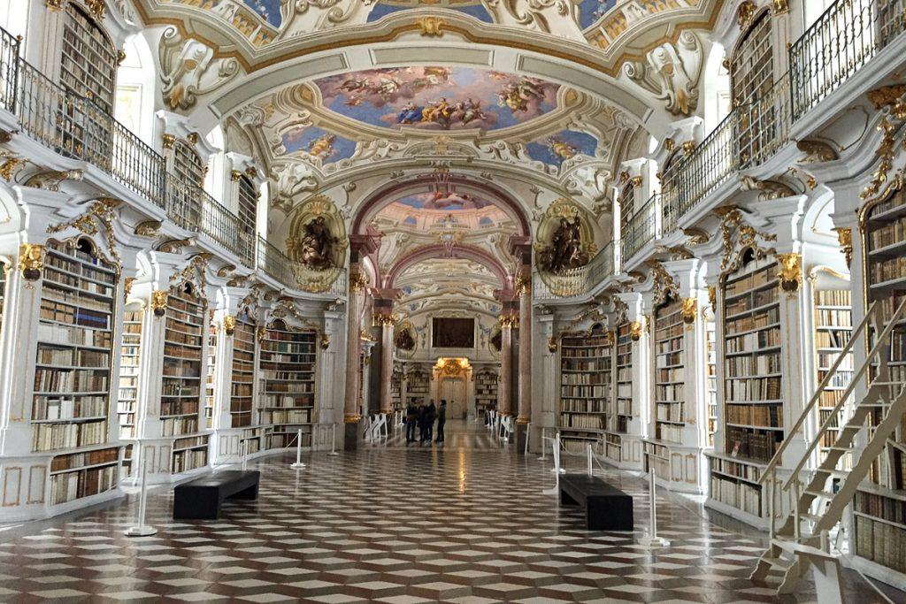 Admonto abatijos biblioteka