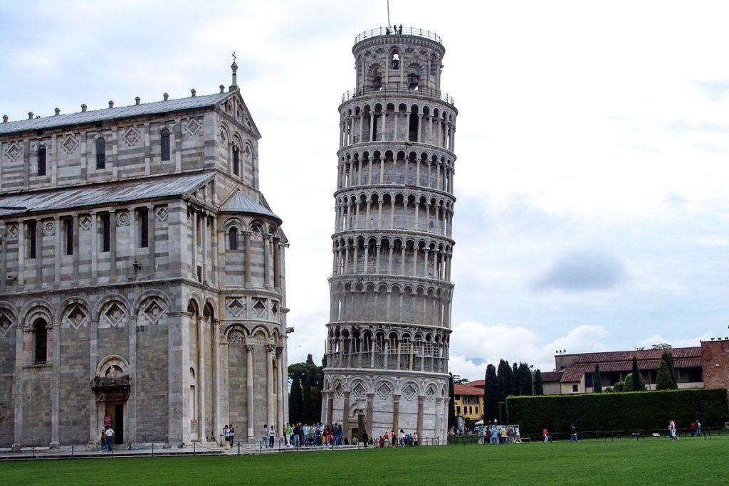 Svyrantis Pizos bokštas