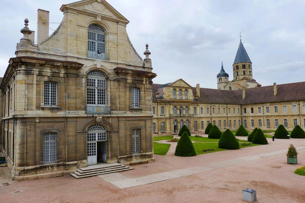 Kliuni, Burgundija
