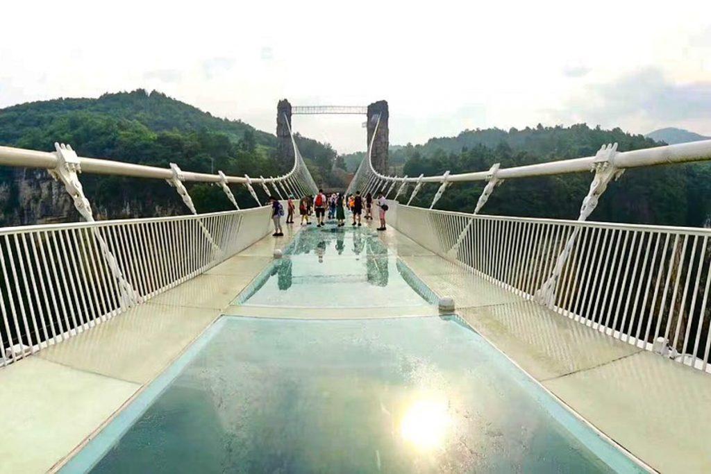 Džandziandzės stiklinis tiltas
